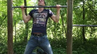 Sixpack Hero Simon Mathis - Fitnesschallenge