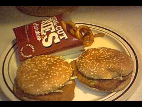 Hardee 39 s spicy chicken sandwiches for lunch youtube for Hardee s fish sandwich