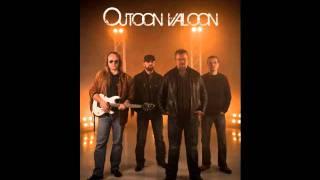 Outoon Valoon-HEIMO MESKANEN & VÄSYNEET KÄDET