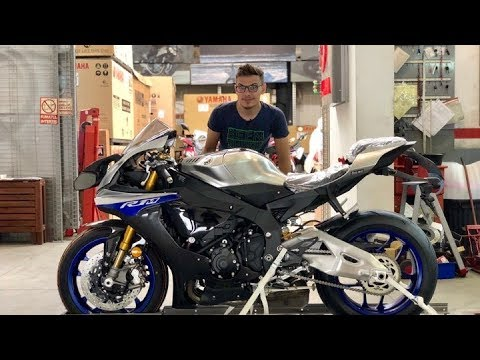 2018 Yamaha R1M Unboxing & Start-up   200+ HP Sound