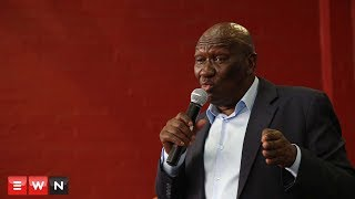 This morning Minister Bheki Cele visited police operations in Gugluthu and Phillipi East -  before addressing residents.  At a Phillipi east community hall, Cele encouraged residents to work closely with officers to root out crime in the area.   He also issued a warning to those on the wrong side of the law… Their time is up.  But community members weren't trusting of the Minister's promises. They say little has changed since a visit by former Police minister, Fikile Mbalula.  Click here to subscribe to Eyewitness news: http://bit.ly/EWNSubscribe    Like and follow us on: http://bit.ly/  EWNFacebookAND https://twitter.com/ewnupdates    Read full article on Eyewitness news: http://ewn.co.za/2018/03/13/cele-urges-cops-to-work-with-residents-amid-operation-fiela-in-gugulethu    Keep up to date with all your local and international news: www.ewn.co.za     Produced by: Bertram Malgas