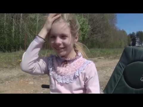 Рыбалка с дочкой на платнике. У карпа первомайская забастовка.