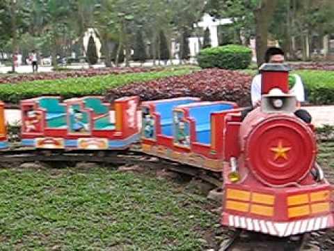 Khang đi tàu hỏa với Bố Hạnh 31.1.2010