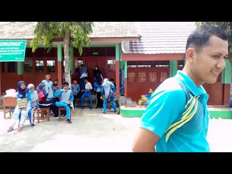 Basah Kuyup Deh, Keseruan Lomba Estafet Air Dalam Rangka Memperingati HUT RI Yg KE-74 Th