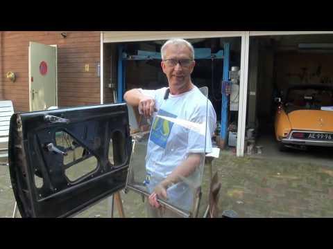 DS-TT: De en montage raam mechaniek bij een Citroën DS