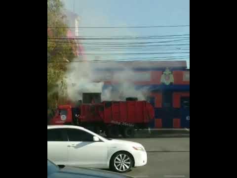 В Ставрополе мусоровоз загорелся рядом с пожарной частью
