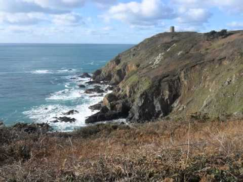 www.edwhatamidoinghere.blogspot.com - Guernsey - Coastal path from Le Gouffre to Mont Herault