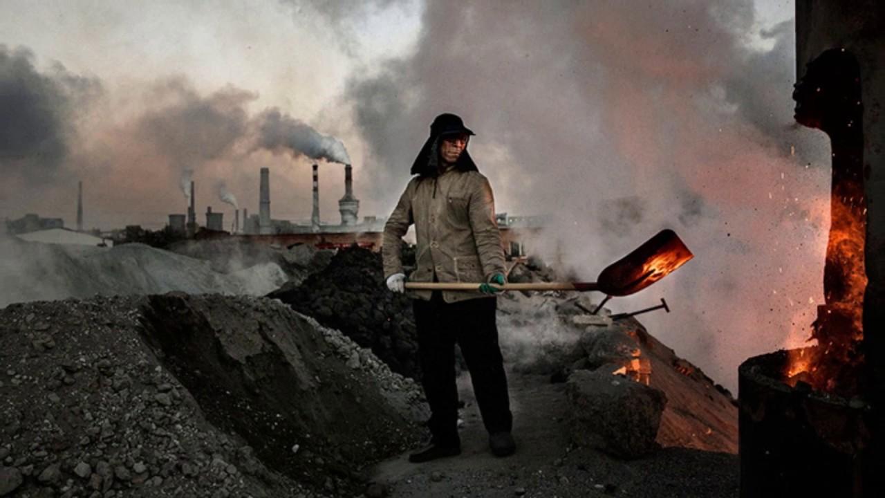 Страшные кадры на подпольном сталелитейном заводе в Китае