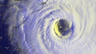 L'impressionnant oeil du cyclone intense IDAI