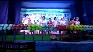 Class 3 students performing on CHANDA CHAMKE CHAM CHAM || Bollywood Dance