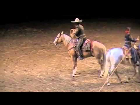 The Craziest Horse Lasso Trick! Jerry Diaz RAWF 2011