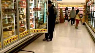 Islas trip in the supermarket isle