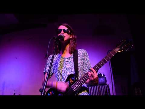 Colleen Green - Pay Attention at the Pallisades, Brooklyn 8/23/15