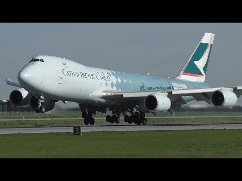 "Cathay Pacific Cargo ""Hong Kong Trader"" 747-867F [B-LJA] Close Up Landing at Calgary Airport ᴴᴰ"