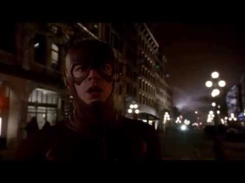 The Flash's First Time Travel !