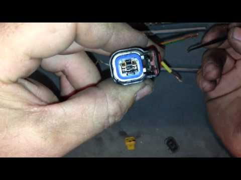hqdefault 2005 dodge dakota replace wire harness clips youtube Fuel Injector Wiring Harness Diagram at edmiracle.co