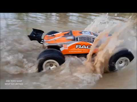 brave 1/12 truck enjoy play water and mud