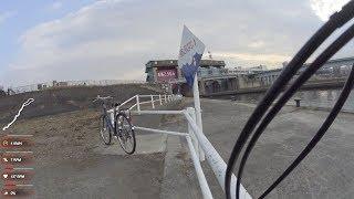 毛馬閘門から淀川サイクルロードを通って宇治川の観月橋まで自転車で走ってきた