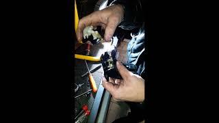 Démontage garniture et  moteur et serrure coffre Audi A3 Sportback