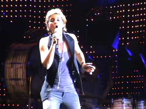 Sugarland - Stuck Like Glue Live