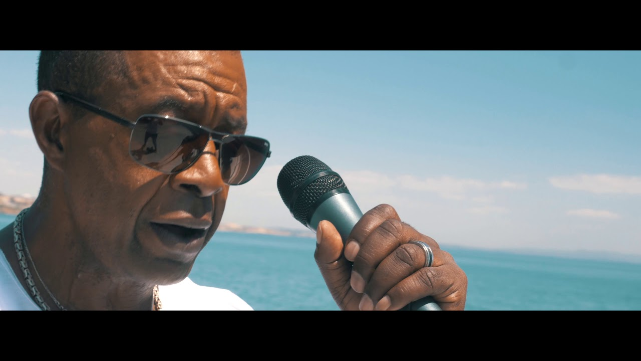 ze-carlos-the-melody-man-nha-inspiracao-full-house-entertainment-inc