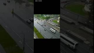 ДТП с туристическим автобусом в Москве попал на видео