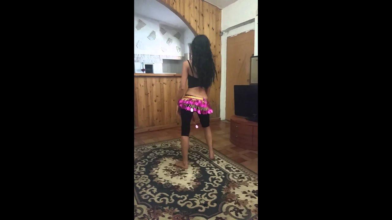 (VIDEO) - Momiche igrae kuchek!