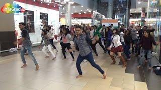 Танцевальный флешмоб в торговом центре Архангельска(Студенты из Индии устроили массовый танцевальный флешмоб в торговом центре