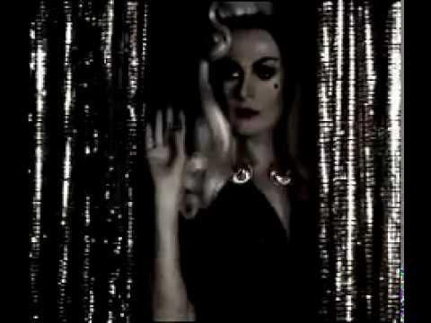 En la Pared - La Prohibida (vídeo oficial)