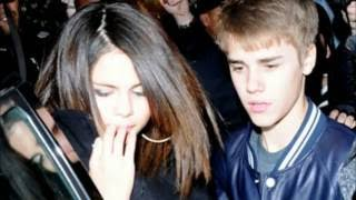 Download Justin & Selena | She don't like the lights Mp3 and Videos