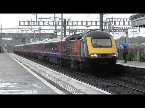 Trains at Didcot Parkway *Heavy Rain* | 17/05/17