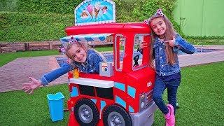 GISELE AND CLAUDIA PRETEND PLAY FOOD TRUCK TOY!! LAS RATITAS!!