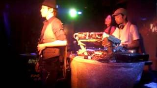 Dee-kay(Remark Spirits)ソロ第1弾「PLASTIC WOMAN」のライブ。produce=MAY24(Ceiling Touch)、コーラス=Yookija(Ceiling Touch) 2009/8/14@club METRO( ...