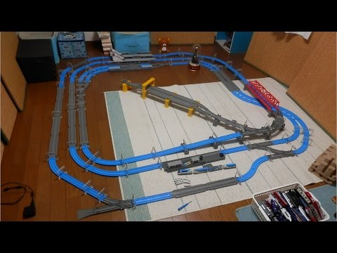 プラレールアドバンス走行動画3複線!! 4面8線駅と高架車両基地があるレイアウト