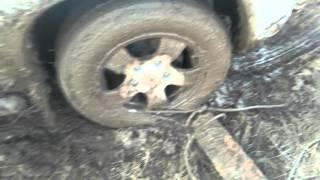 видео Как самостоятельно выехать из колеи