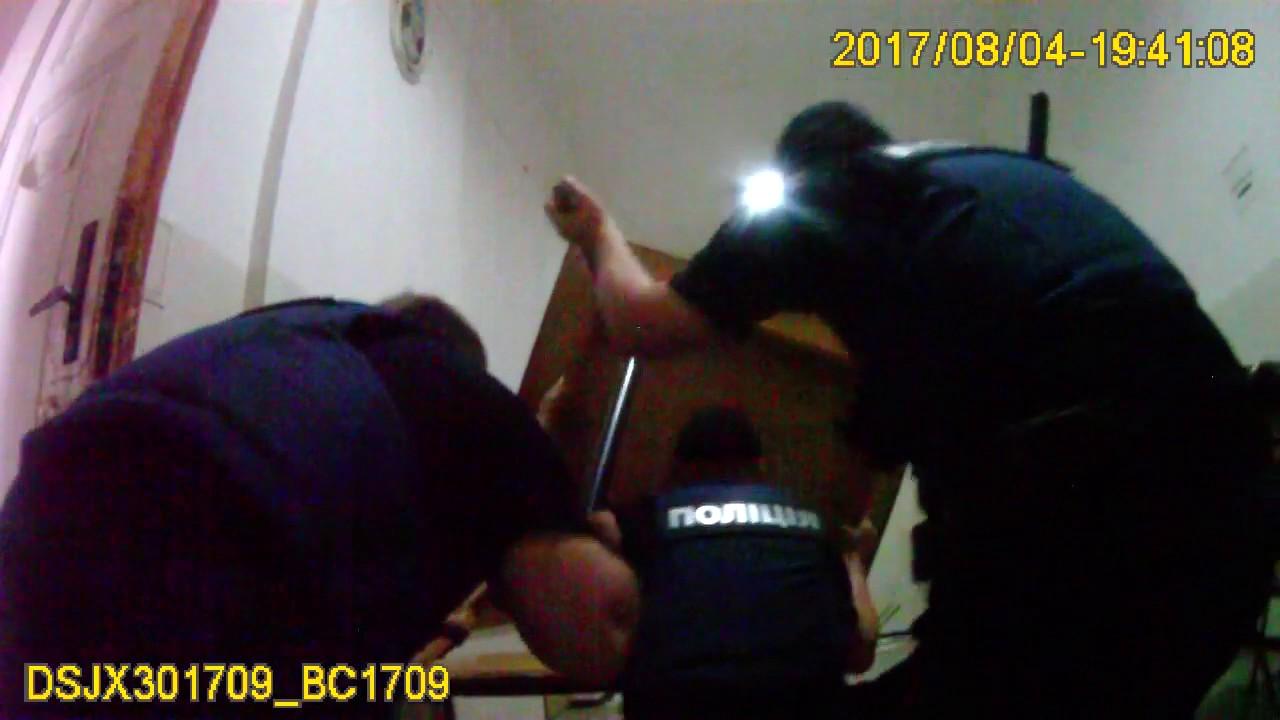 Как львовские полицейские освободили заложников в психбольнице