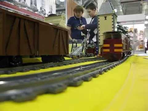 Как сделать из лего поезд видео
