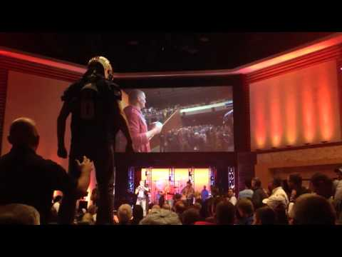 Jon Kitna hits Youth Minister Where the Sun Don