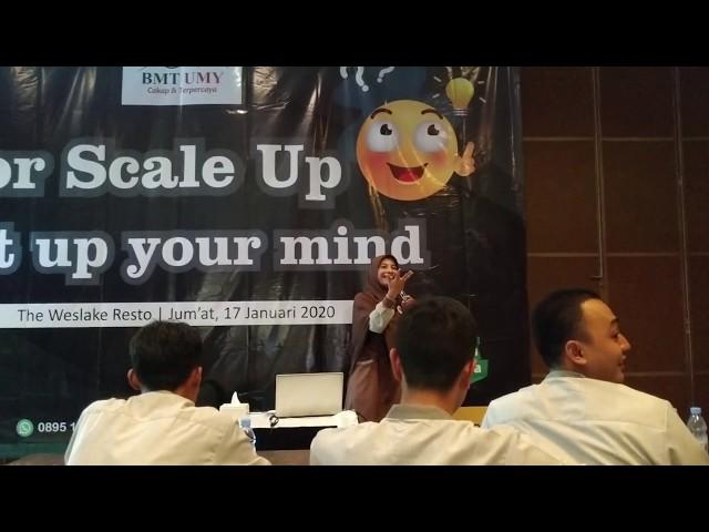 Reward untuk karyawan berprestasi | acara internal BMT UMY