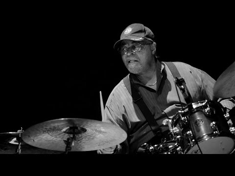 Jimmy Cobb Trio - Cobb Is Back In Italy! (2002).