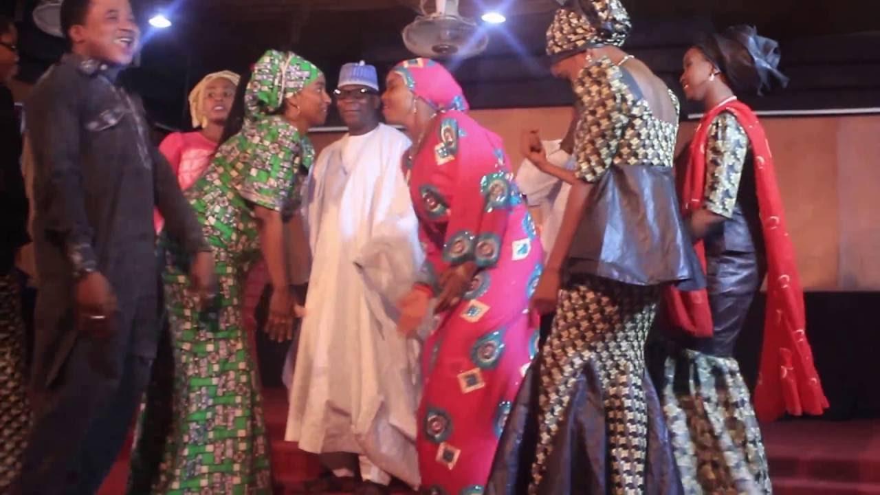 Download YAR DUNIYA WAKA (ADO GWANJA) (Hausa Songs / Hausa Films)
