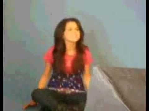 Selena Gomez singing Hannah Montana's Rockstar.