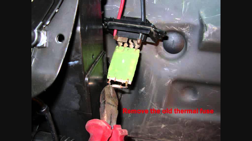 Repair Fan For Renault Changing Thermal Fuse Reostat Popravilo Ventilatorja Youtube