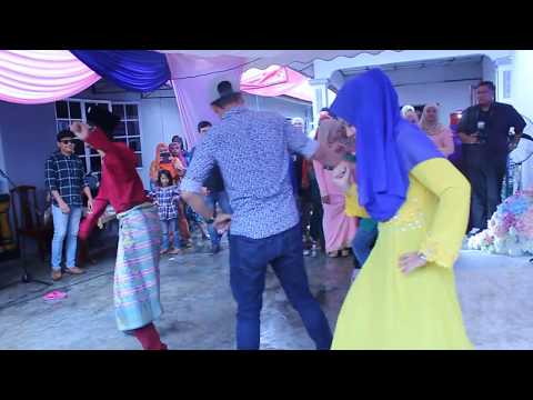 Flashmob Wedding Show [ zapin beradat challo ] - KKSIT
