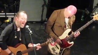 Скачать Thom Yorke Flea Default Live Pathway To Paris 04 12 2015 HD