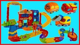 可愛軌道車玩具汽車,消防車,工程車都趕過來