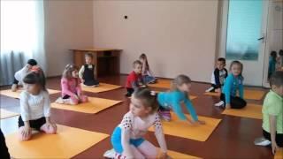 Урок физкультуры в детском саду !!!