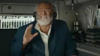 Mister felicità - Interferenza radio con il camionista
