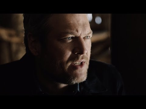 Смотреть клип Blake Shelton - GodS Country