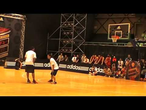 Derrick Rose 1 on 1 vs MoreFree